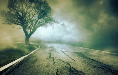 haunted-roads-in-the-world-we-dare-you-to-drive